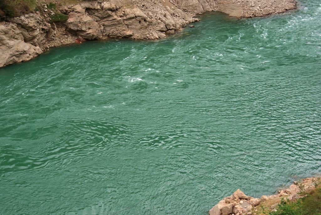 哈尔滨道外江边一男子不慎溺亡 下水时说要去江里睡觉