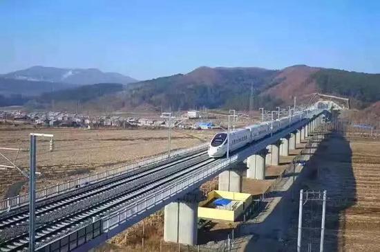 哈牡高铁试运行:全程11站两个小时到牡丹江
