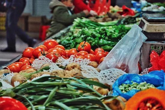 哈尔滨24种蔬菜周比全线上涨 过年豆角为啥这么贵?