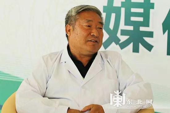 中国工程院院士陈温福接受采访。东北网记者 王亮 摄