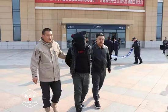 """黑龙江一男子逃亡26年落网:终于能""""回家""""了"""