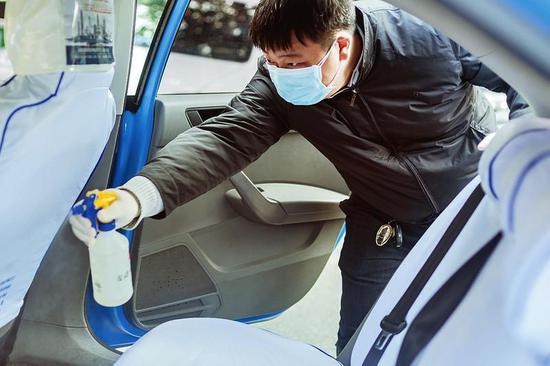 哈市出租车营运人员一旦出现健康监测异常 立即停运!