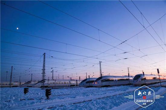 京哈高铁22日起全线贯通 最快运行时间压缩至4小时52分