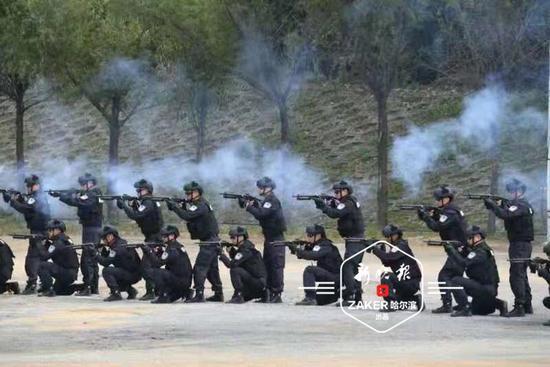 ↑ 处突车实战应用射击和长短枪射击演练