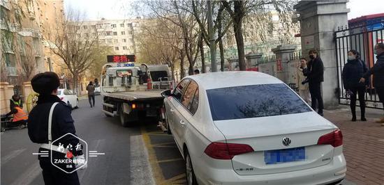 罚款+拖移!防火通道上停车?就一会儿也不行!