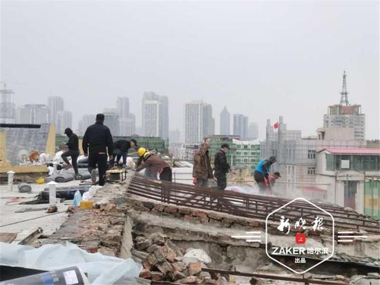 天台楼梯间变200平方米私宅 哈市一违建豪宅被拆了