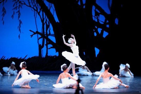 Isee灰姑娘第7届芭蕾年底汇演《天鹅湖》-灰姑娘与仓鼠家族的秘密 舞