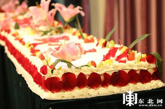 """博能""""成人礼""""蛋糕。东北网记者 迟亦达 摄"""