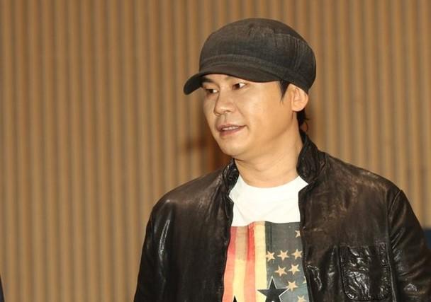 杨贤硕早前辞去YG事务所的所有职务。