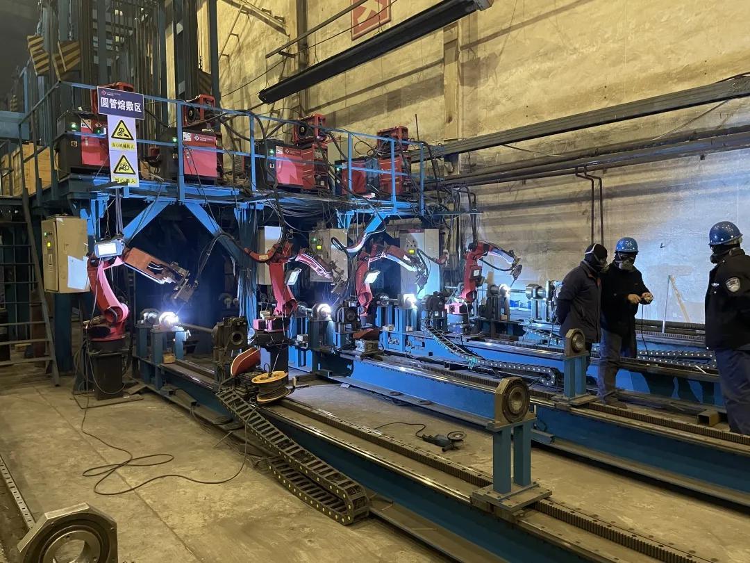 哈尔滨科能熔敷科技股份有限公司繁忙的生产车间。