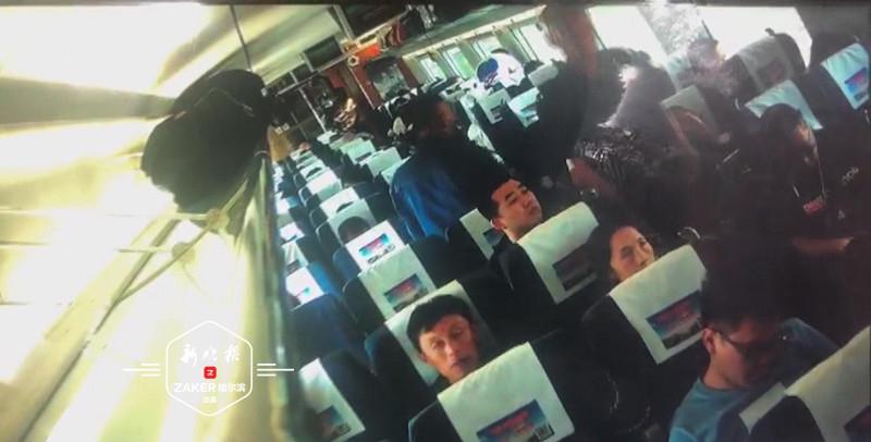 极速排列3一男子高铁上厕所按错冲水钮 把火车按停了