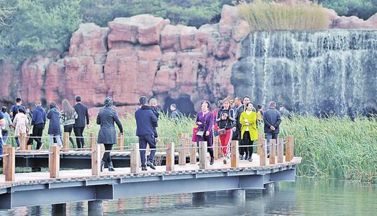 """文旅市场复苏 哈尔滨""""双节""""假期679.9万人次游冰城"""