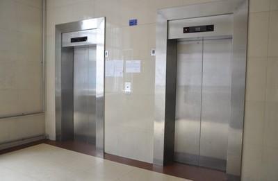 电梯安全管理责任由谁来负责?