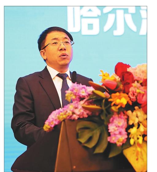 香坊区常务副区长赵罡主持签约仪式。