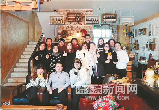 滑雪季,很多外地游客到青云小镇的别墅住宿。