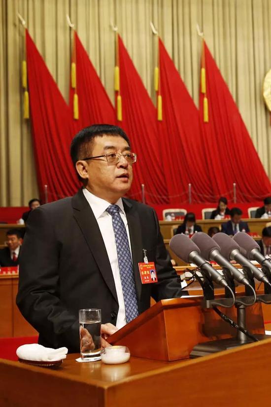 市人大常委会主任赵铭作工作报告