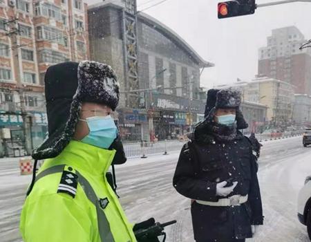 阿城区公安局全警坚守岗位 战风雪、抗疫情、保安全