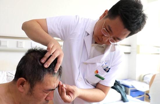 黑龙江中医药大学附属第一医院癫痫诊疗中心副主任刘征