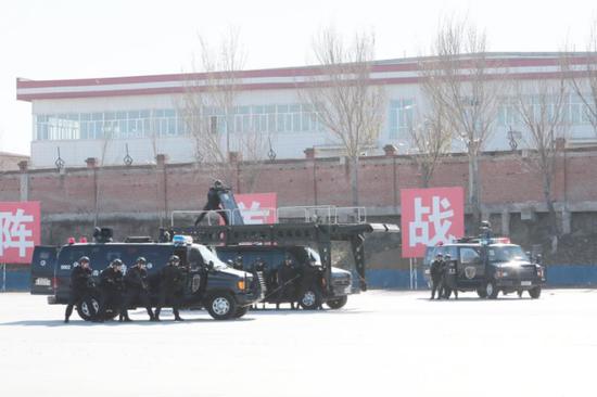 公安铁军,冰城亮剑!——哈尔滨市公安局举行2020年特警实战大练兵综合演练