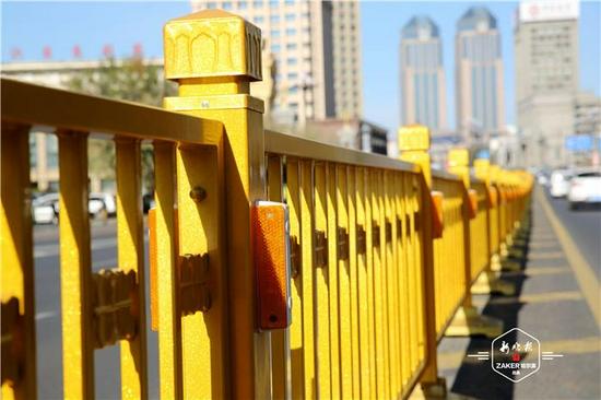 颜值+实用!景观交通护栏亮相哈市街头