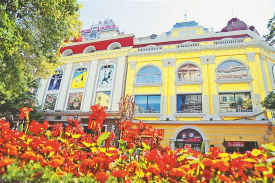 """哈尔滨中央大街提升环境设施 塑造""""会客厅""""新形象"""