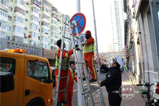 哈尔滨南勋街设置夜间停车带 停车泊位增加至百余个