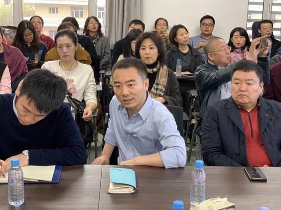 据哈工大生命科学院院长黄志伟