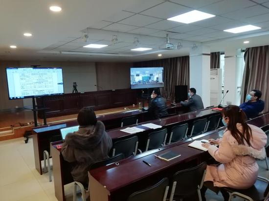 邮储银行安徽省淮南市分行召开远程贷审会,争分夺秒审批贷款。