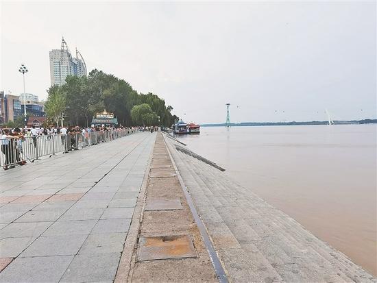 截至23日8时 松花江干流哈尔滨站比洪峰水位回落0.03米