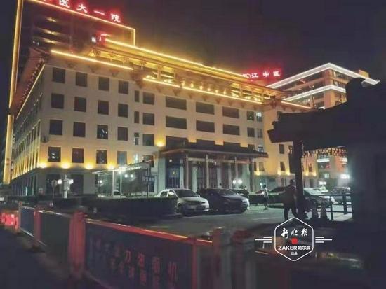 打造流光溢彩城区夜景 香坊区23处灯饰亮化点维修完毕