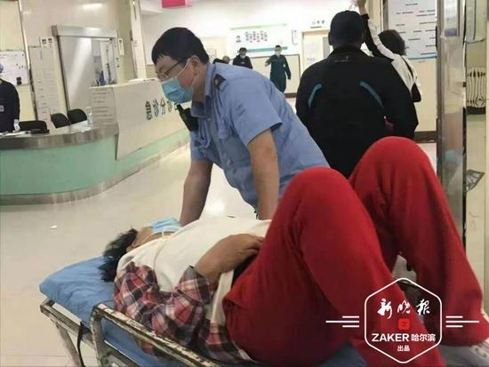 危急患者来哈做手术遇堵车 热心驾驶员与交警接力护送
