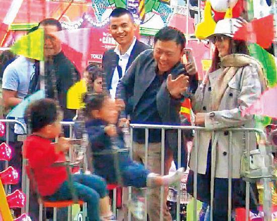 吴佩慈生儿子获男友欢心 罕见公开秀恩爱