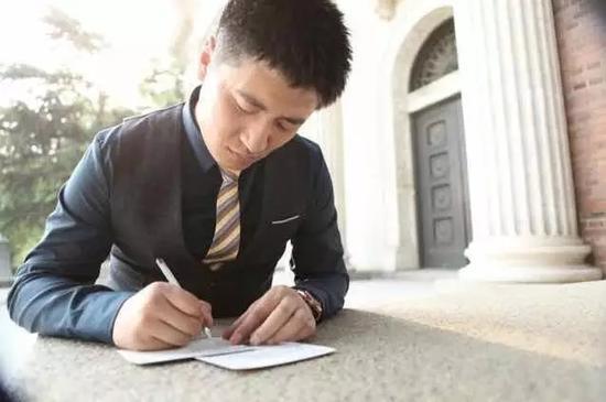 张雪峰爆笑考研视频火爆网络 主人公是黑龙江人