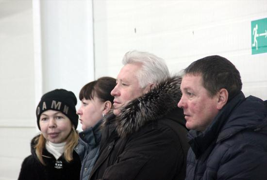 俄罗斯观众观看现比赛