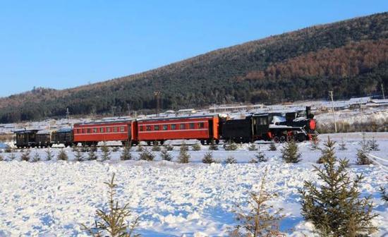 """东北林区最完整的一列""""舰载""""森林小火车"""