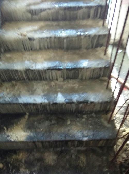 楼道进污水