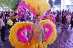 哈尔滨老街时尚巡游活动开启 养眼美女个个1米9
