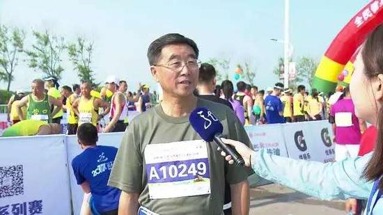李小白赛前接受采访(图自网络)