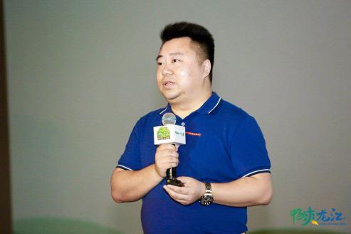 中青旅联科公关顾问有限公司总经理助理张晓磊介绍自驾旅游年活动