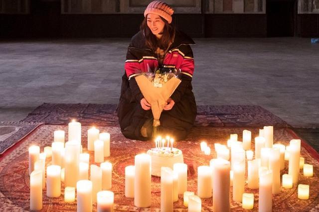 陈怡蓉旧金山过39岁生日 烛光包围感动红了眼眶