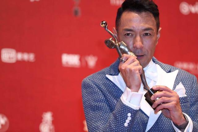 姜皓文出道33年首夺金像 感性叹:一直不是很好运