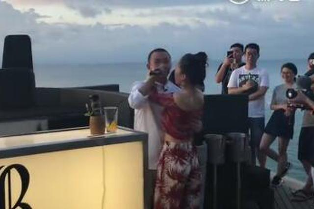 GAI与女友王斯然拍婚纱照 献歌告白甜蜜拥吻