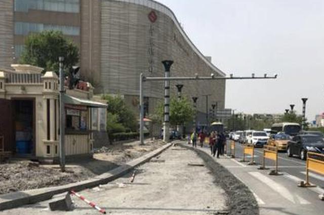 不用再等信号了 爱建路右转进上海街新增右转车道