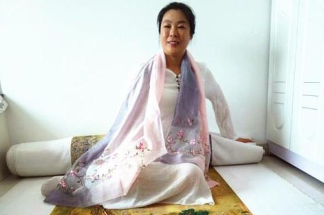 黑龙江一女子8年绣成《清明上河图》 堪比吉尼斯记录