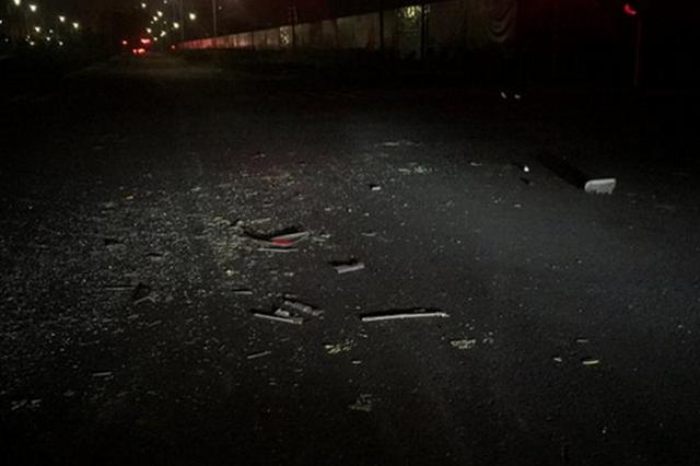 哈市松北区一大客车与面包车相撞 面包车内一死三伤