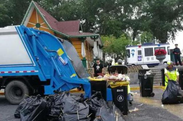 垃圾较去年少10% 端午沿江及时清运垃圾110吨