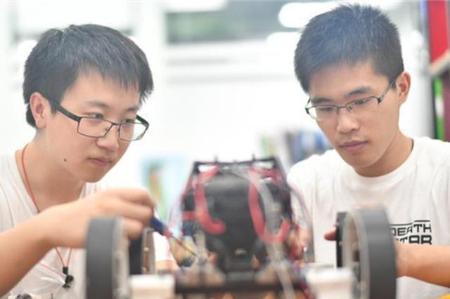 冰城才俊李蕴洲:研发居家机器人让创新服务生活