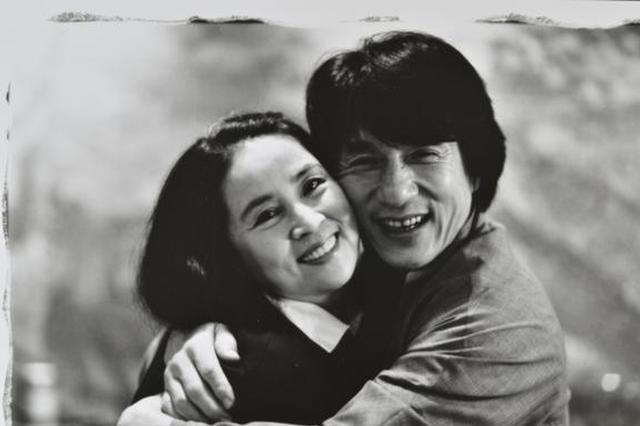 结婚36年甜发糖!成龙为林凤娇献歌:谢谢一辈子