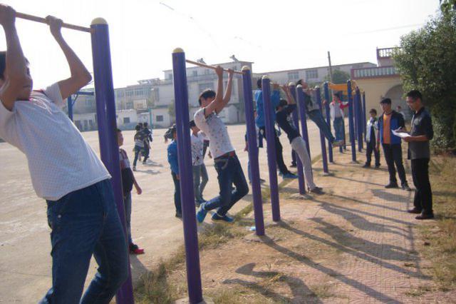 哈市中考體育大調整新增跳繩和引體向上 項目變四選一