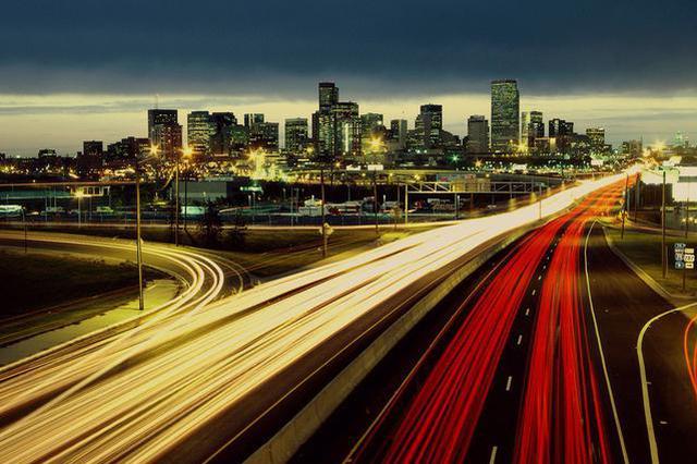 哈尔滨市平房区首条智能交通示范路试运行